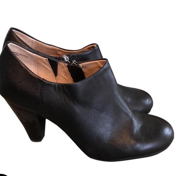 Crown Vintage Lion Black Leather Heel Booties